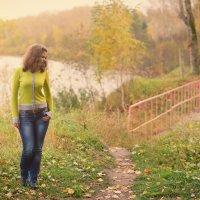 Катя в парке :: Женя Рыжов