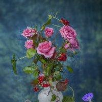 Натюрморт с розами. :: Лилия *