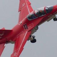 """Як-130 в новой красной """"исторической"""" ливрее :: Дмитрий Бубер"""