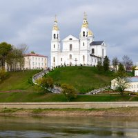 Собор на реке :: Виктор Дашкевич