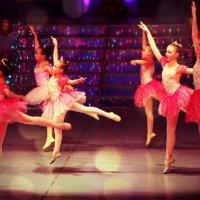 Dance :: Alice Vermilion
