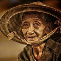 Woman with non... (Женщина в пальмовой шляпе...) :: Roman Mordashev