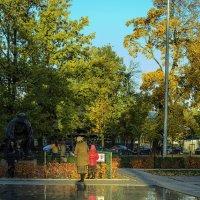 Отражения в маленьком городе :: Valerii Ivanov
