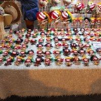 Забавный лоток на ночном рынке :: Владимир Шибинский