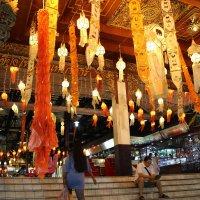 Вход в ночной рынок, Чангмай :: Владимир Шибинский
