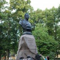 памятник Пржевальскому :: nadia sergeeva
