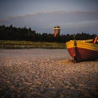 Łódź rybacka na plaży :: Janusz Wrzesień