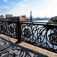 На мосту... :: Анатолий Колосов