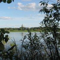 Озеро Мячино и Юрьево монастырь. Новгородская область. :: Олег Фролов