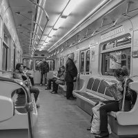 В подземке... :: Александр Дроздов