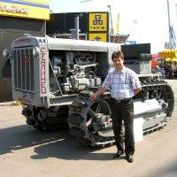 Символ ушедшей эпохи (это я про трактор...) :: Борис Русаков