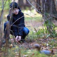 мальчик в парке :: Олег Петрушов