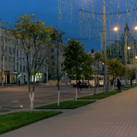 Городской пейзаж-сумерки :: Юрий Стародубцев