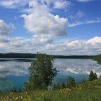 Небо в озере купалось. :: Наталья Юрова