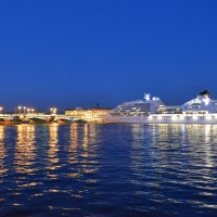 Белые ночи на набережной :: Валерий Пшеницын
