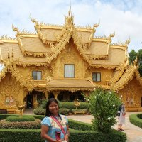 Золотой дом в комплексе Белого храма, Таиланд, Чанграй :: Владимир Шибинский