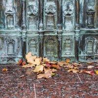 Опавшие листья :: Valerii Ivanov