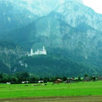 Вид на замок Нойшванштайн (из автобуса) :: Ольга Иргит
