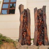 Скульптура из распиленного дерева :: Василий Игумнов