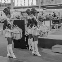 Три грации с барабанами :: Александр Дроздов