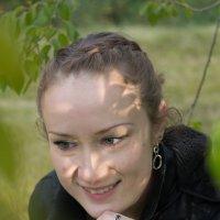 Девушка в листьях :: Марина Кириллова