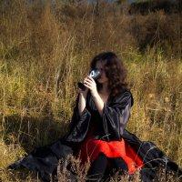 Девушка в траве :: Марина Кириллова