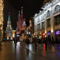 Ночная Москва. ул. Никольская :: Дмитрий Бубер