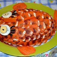 """Кулинарные изыски жены. Сельдь под шубой """"Золотая рыбка"""" :: Борис Русаков"""