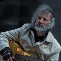 Про гитариста с Арбата... :: Виктор Перякин