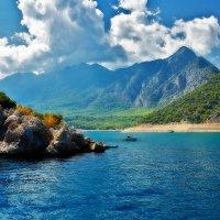 Море. Горы. Облака :: Виктор Зиновьев