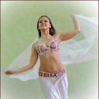 Восточный танец :: Алёна Михеева