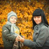 Мама и сыночек. :: Сергей Бутусов