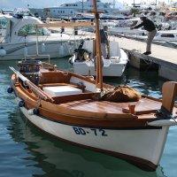 Рыбацкая лодка :: Диана Матисоне