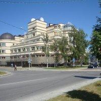 Ханты-Мансийск - необычный город. Все здания в городе уникальны. :: Наталья ***