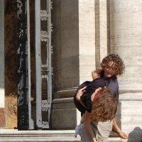 Танцы на паперти :: Марина Лучанская