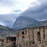 непогода над древними стенами :: вадим измайлов