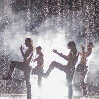 Шоу под дождём :: Николай