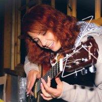 Девушка с гитарой :: Алексей MOPS Чулков