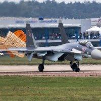 Су-35С после посадки :: Павел Myth Буканов