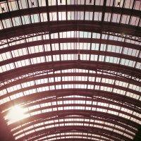 Крыша вокзала во Франкфурте :: Анна Глембоцкая