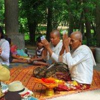 Буддийские монахи :: Михаил Рогожин