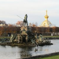 Петергоф. Верхний парк. Октябрь. :: Olga Devyatkina