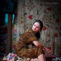 Мастерица ручных сюзане из Бухары :: Светлана Паламарчук