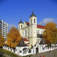Раззолотила осень собор... :: Владислав Писаревский