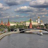 Тучи над Москвой :: Дмитрий Сушкин