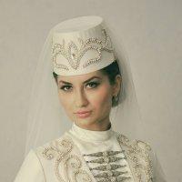 """из серии"""" Невеста в национальном наряде"""".. :: Батик Табуев"""