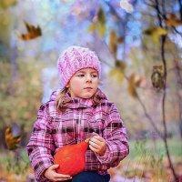 Заглянула осень в сад. :: Светлана Парфёнова