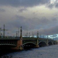 Троицкий мост в осенний день... :: Irina Sergeeva