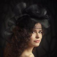 Nadira in hat... :: Михаил Смирнов