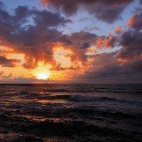 Средиземное море в декабре :: Юрий Вайсенблюм